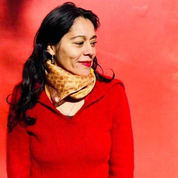 Lanzan libro de microcuentos «Transacciones» de Patricia Rivas | Entrama  Cultural
